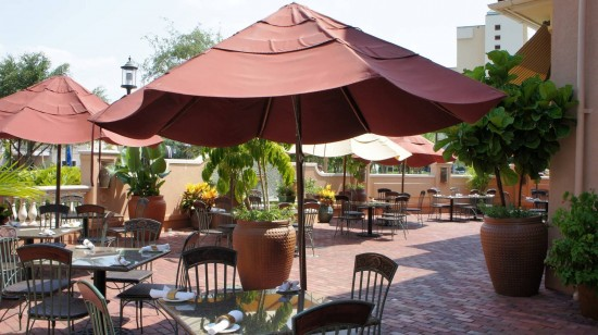 Tommy Bahama Tropical Cafe at Pointe Orlando on International Drive: Outdoor seating.
