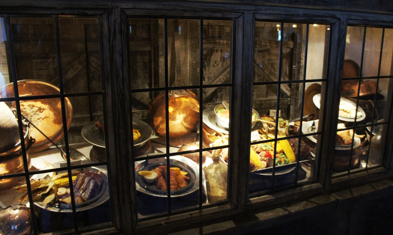 "Three Broomsticks: ""Make your choice between what is right… and what is easy."""