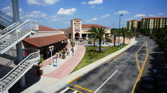 Orlando Premium Outlets Vineland Ave: Hilton Grand Vacation Club in the background.