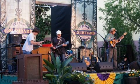 Universal Studios Mardi Gras 2011 Pre-Party: A little Mardi Gras music.