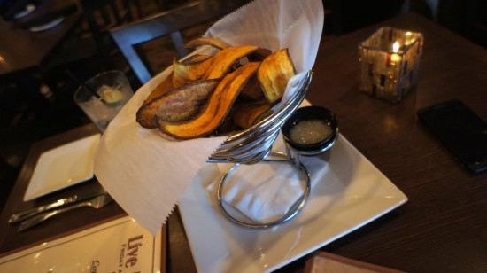 Padrino's Cuban Bistro: Fried plantains chips.
