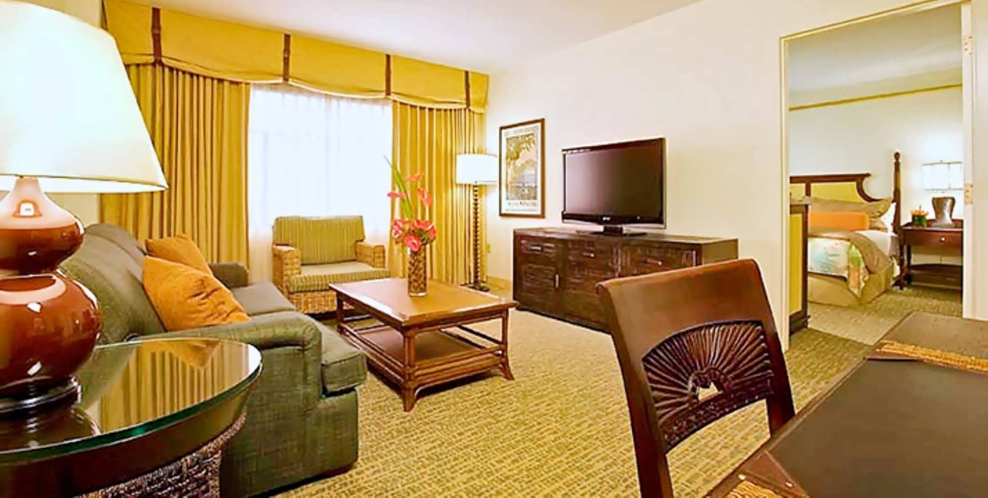 Royal Pacific Old King Suite