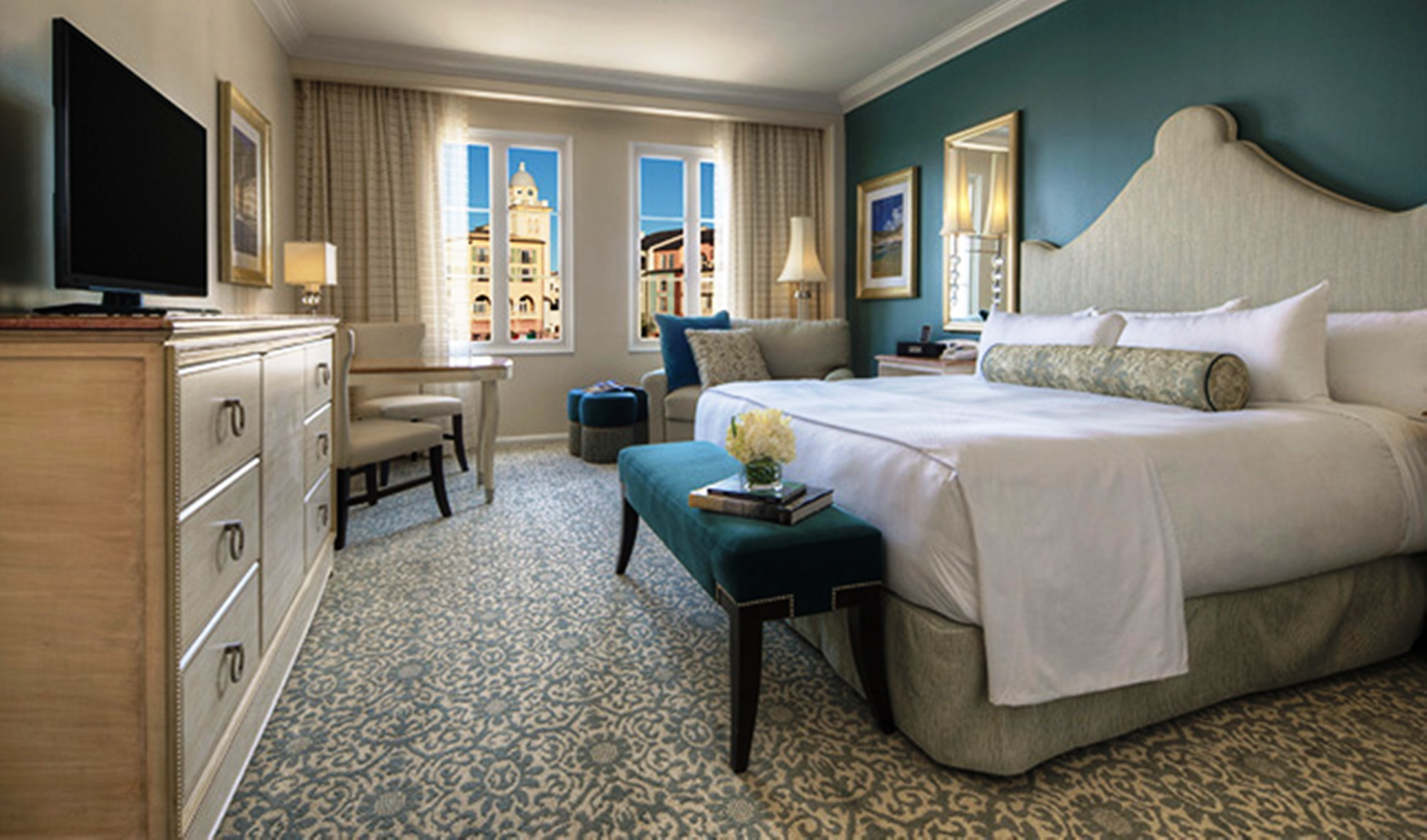 Portofino Bay Hotel deluxe king room with bay view