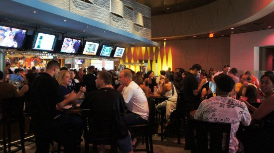Dave & Busters Orlando on International Drive: Bar area.