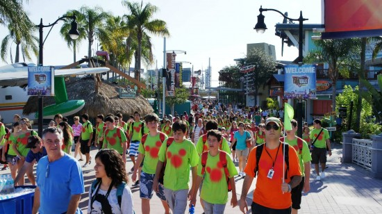 Universal's Islands of Adventure trip report - July 2011: Crowds heading to Islands of Adventure.