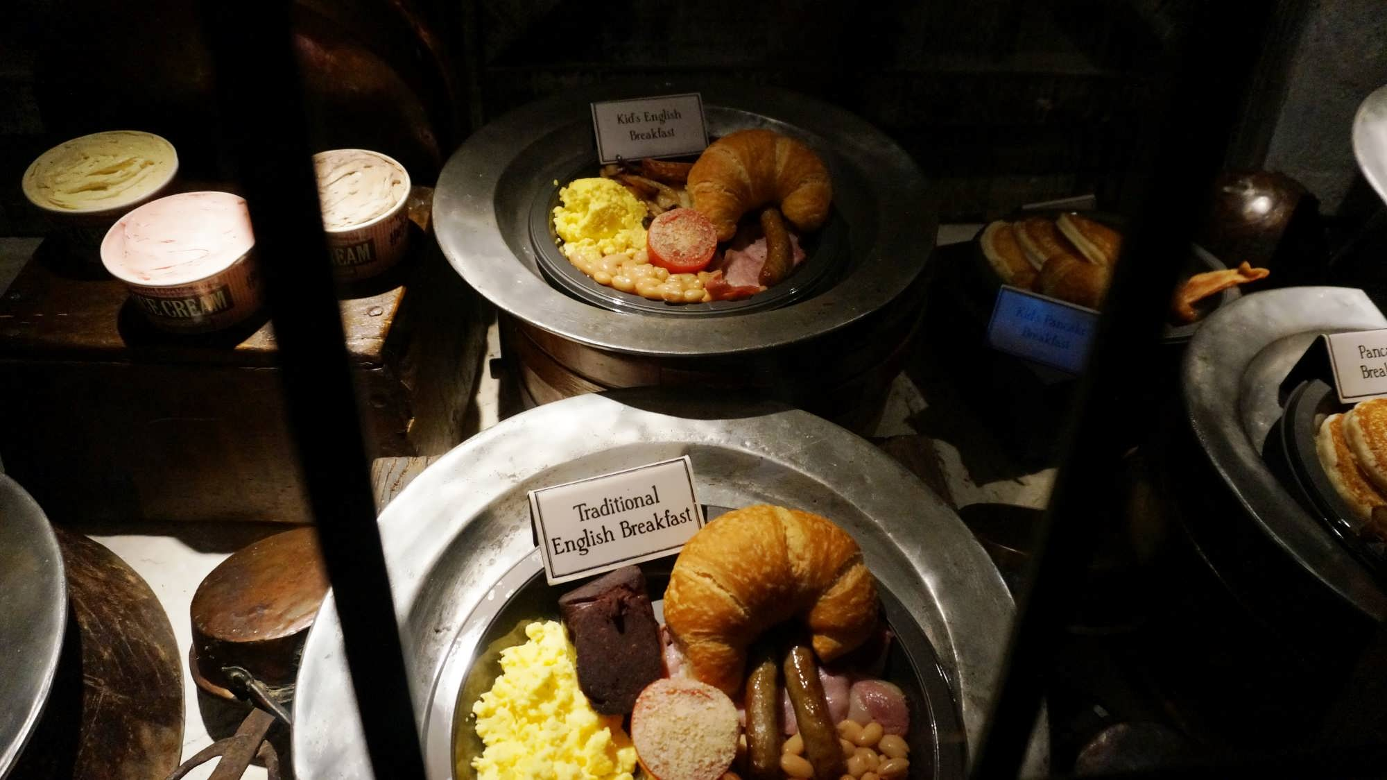 Breakfast at Three Broomsticks.