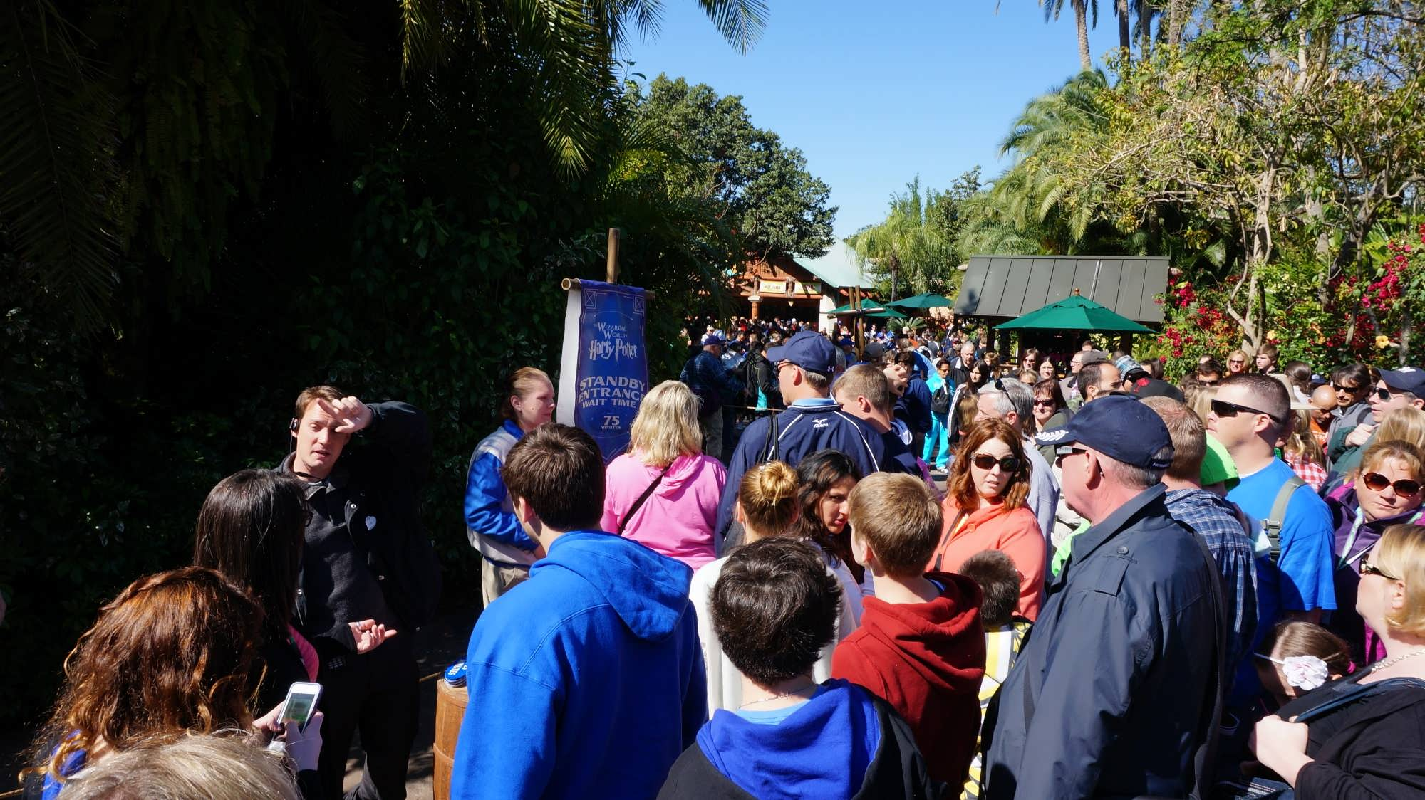 WWoHP standby line in Jurassic Park
