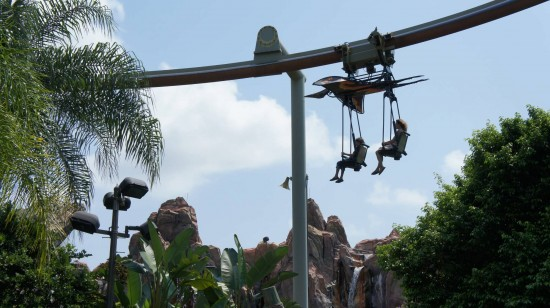 Pteranodon Flyers requires that adults have a child with them to ride.