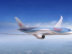 thomson-airways-dreamliner-exterior-small-1