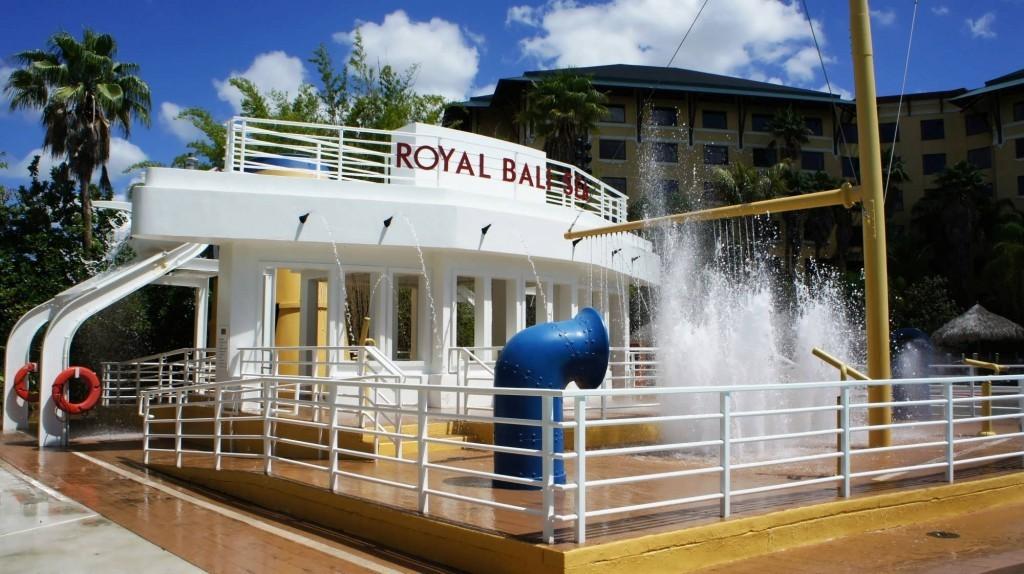 Loews Royal Pacific Resort pool area at Universal Orlando