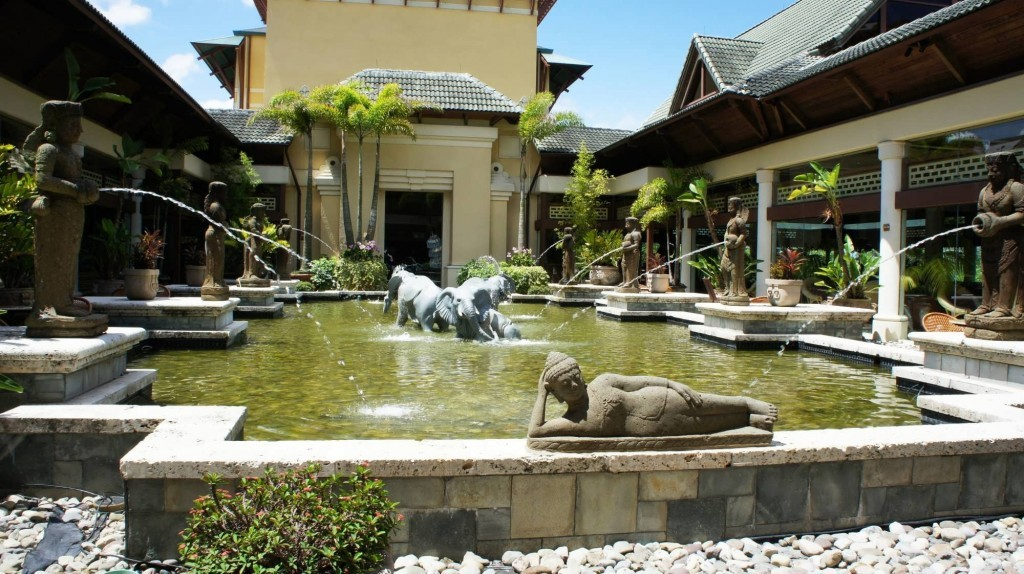 Registration & lobby area at Loews Royal Pacific Resort.