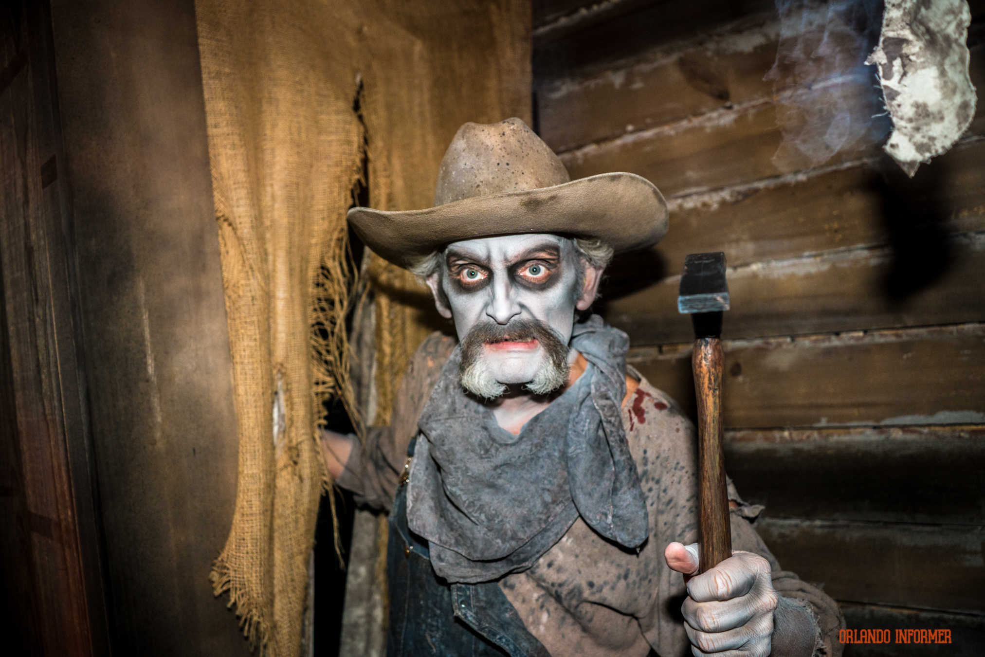 Step inside the original houses at Halloween Horror Nights 2016