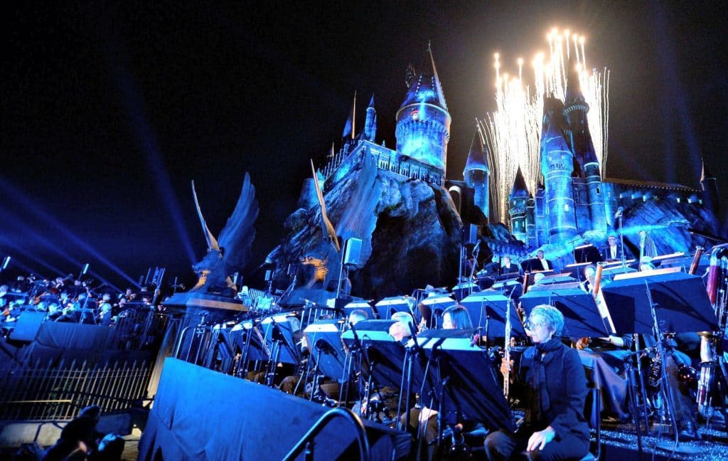 Hogwarts Castle's projection mapping, accompanied by an orchestra, at the Universal Studios Hollywood grand opening