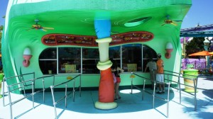 green-eggs-and-ham-universal-islands-of-adventure-055-oi