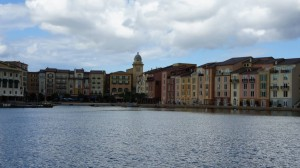 oi-walk-from-universal-citywalk-to-portofino-bay-hotel-442