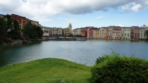 oi-walk-from-universal-citywalk-to-portofino-bay-hotel-450