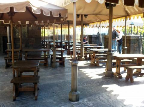 Three Broomsticks: Outdoor seating.