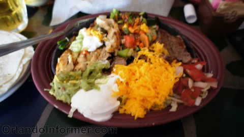 PR's Taco Palace: Combo fajitas (so out of focus, I know.).
