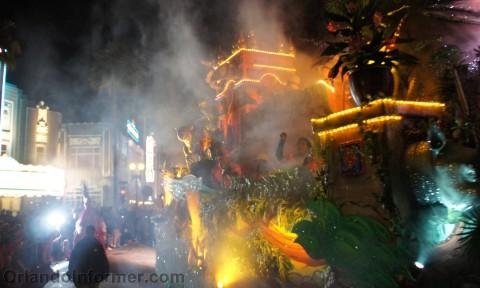 Universal Studios Mardi Gras 2011 Parade: It's a jungle.