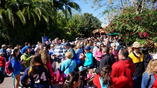 Crowds in Jurassic Park trying to get into Hogsmeade