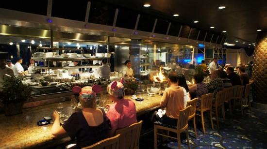 Flying Fish Cafe at Disney's BoardWalk: Open kitchen.
