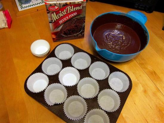 Minion cupcakes.