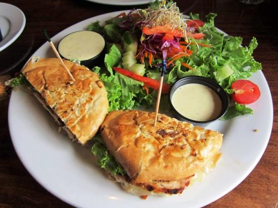Dexter's of Winter Park: Pesto Chicken Sandwich.