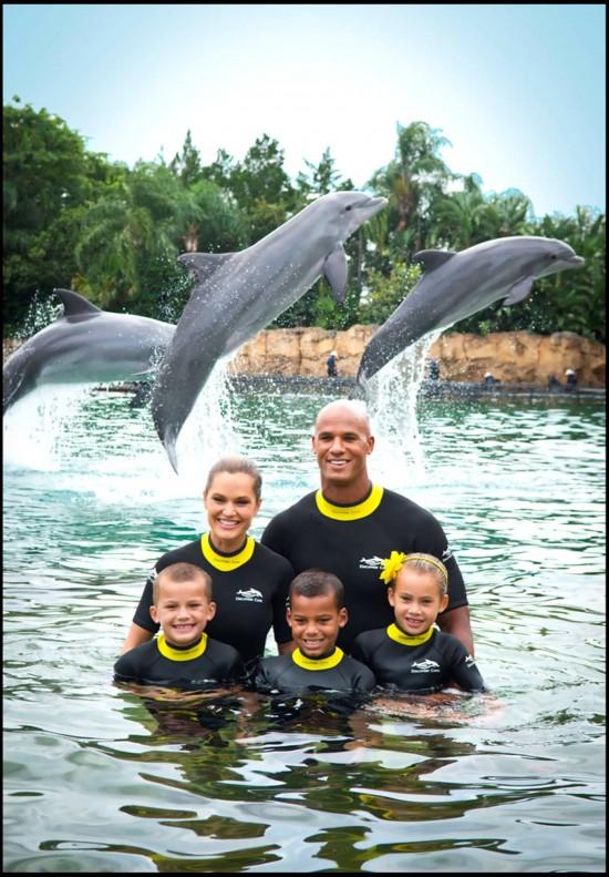 Jason Taylor and his family at SeaWorld Orlando.