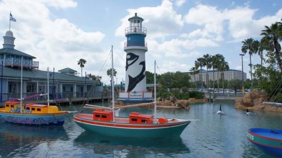 The entrance to SeaWorld Orlando.