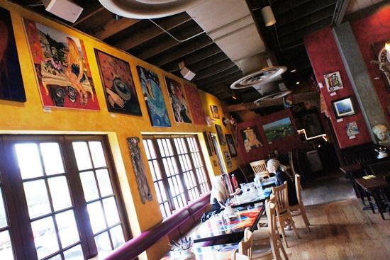 Cafe Tu Tu Tango.