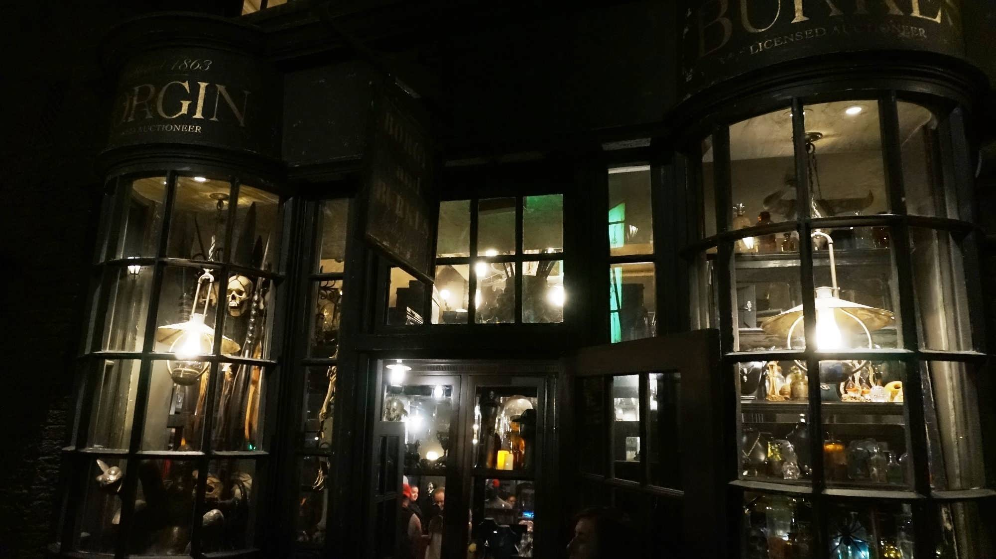 Borgin and Burkes at the Wizarding World of Harry Potter - Diagon Alley