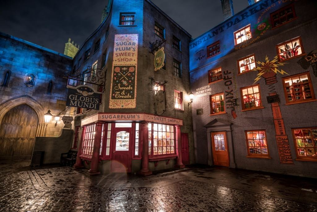 Sugarplum's Sweet Shop at The Wizarding World of Harry Potter - Diagon Alley