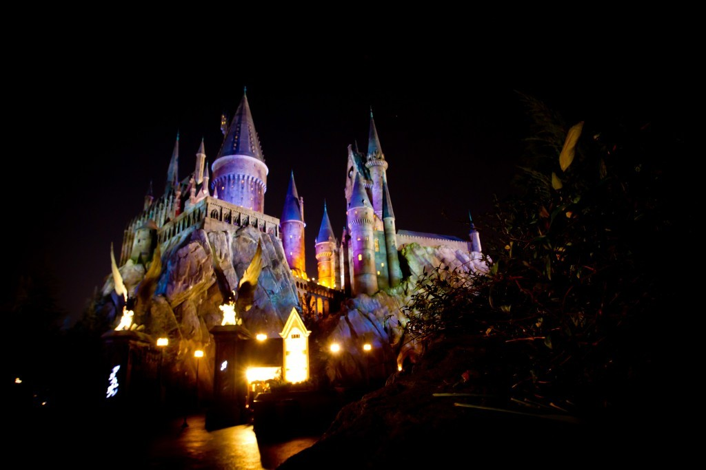 (UNIVERSAL) 16_Hogwarts at Night