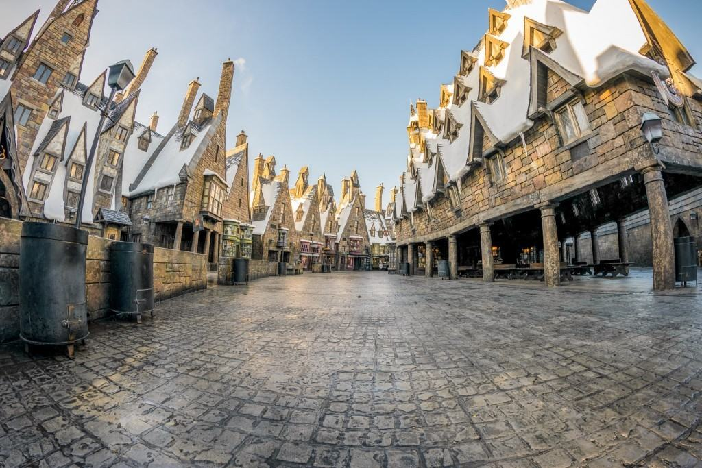 The Wizarding World of Harry Potter - Hogsmeade empty