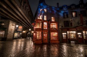 Weasleys' Wizard Wheezes in Diagon Alley at Universal Orlando