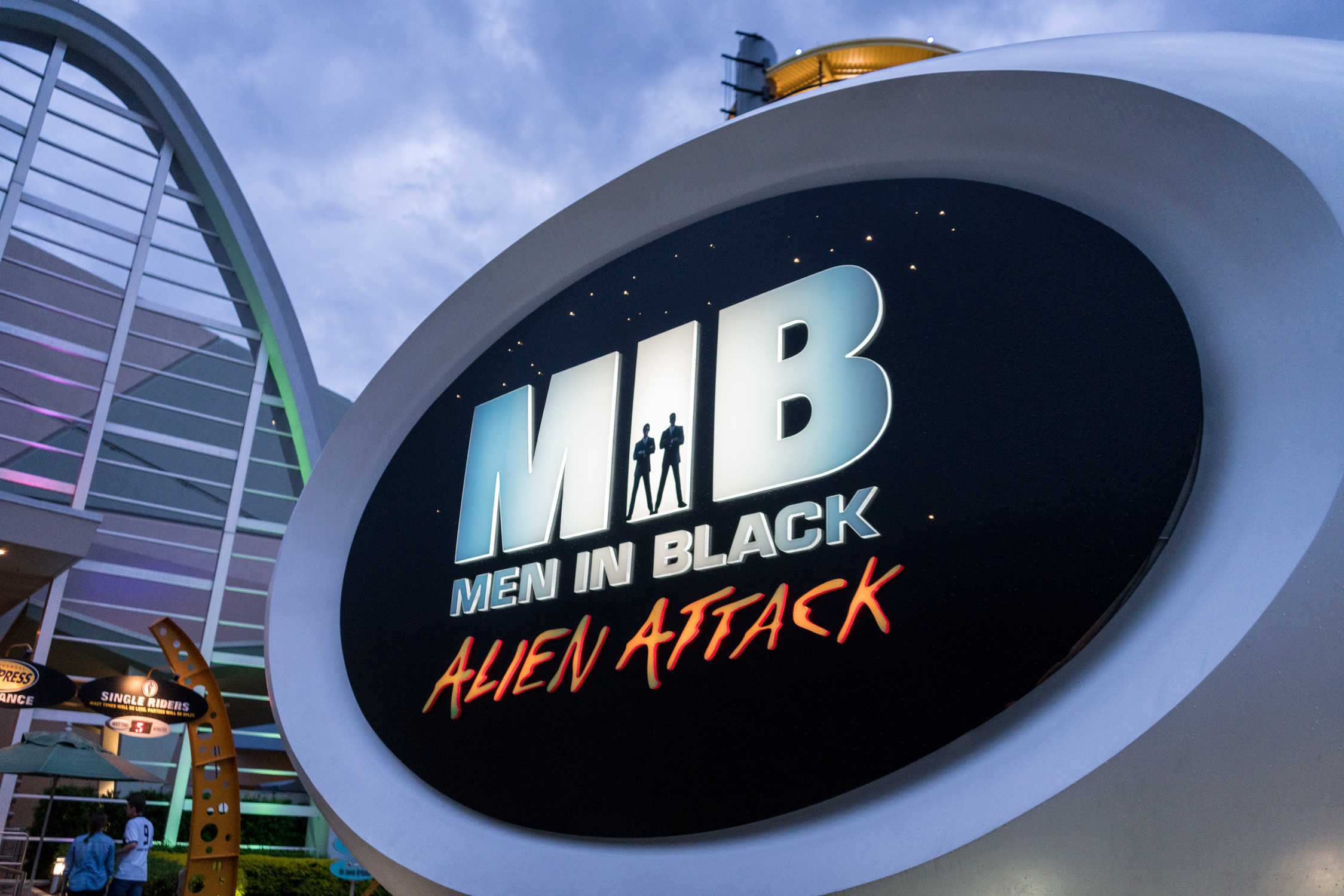 Ride technician dies at Men in Black: Alien Attack