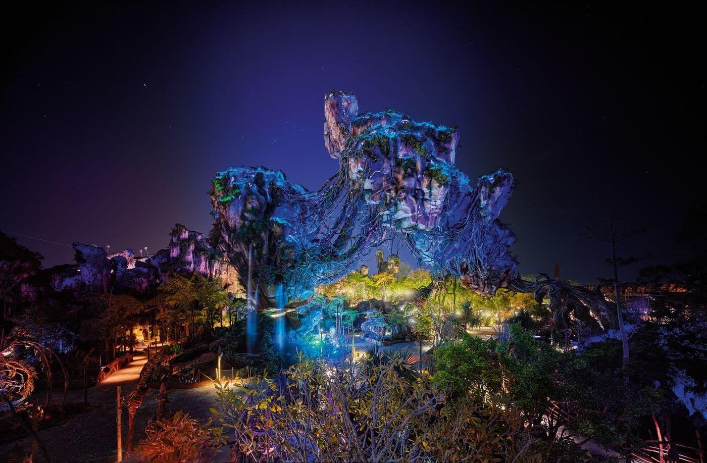 New nighttime photos of Pandora: The World of Avatar light up the night